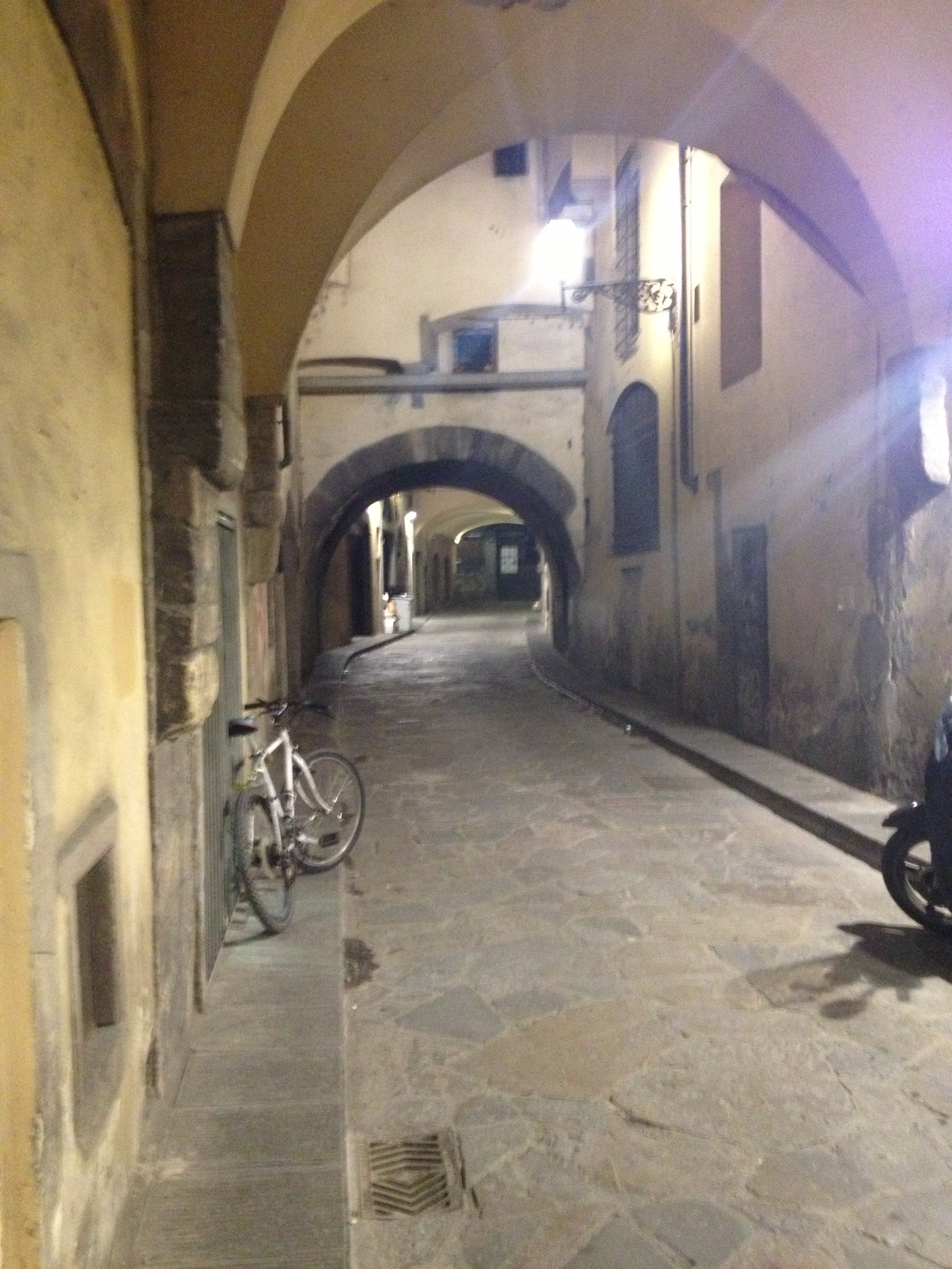 Little street on which sits Buca dell'Orafo.