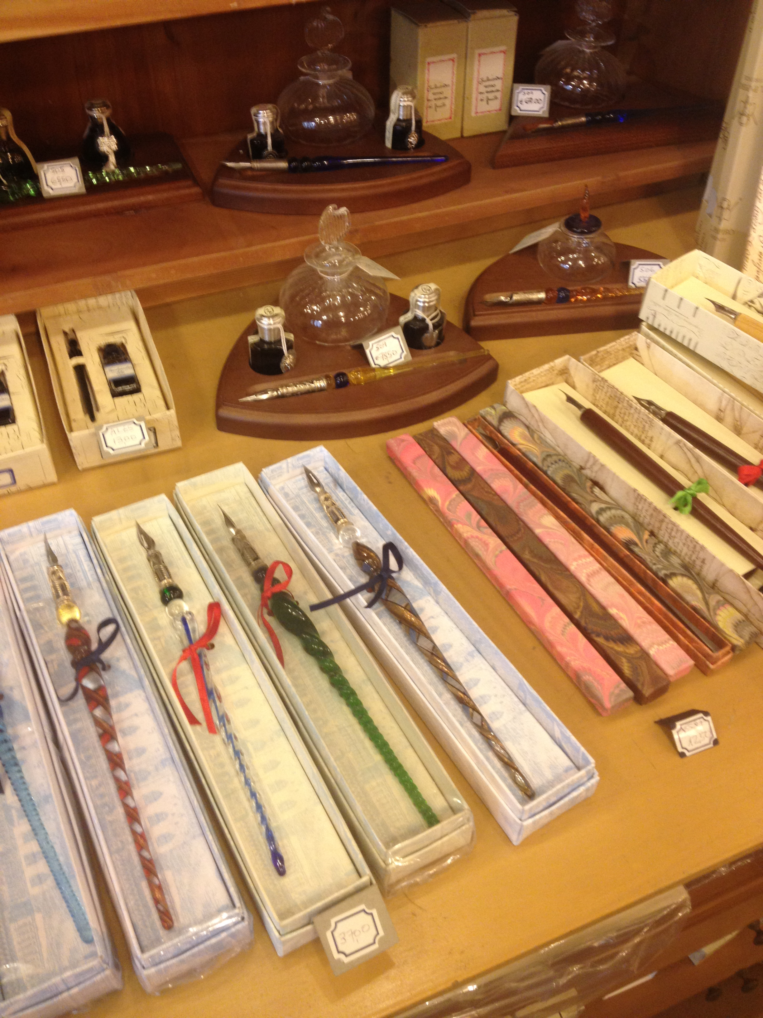 Fountain pens at Il Papiro. I want one of these. And I love me an authentic paper store.